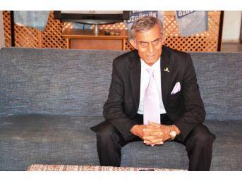 Chp'li Eryavuz Ayvalık Belediye Başkanlığı'na Aday Adayı Olduğunu Açıkladı