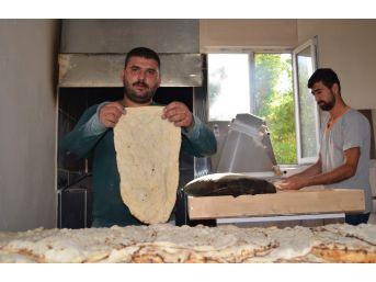 Tandır Ekmeğiyle İş Sahibi Oldu