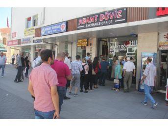 Bolu'da Dolar Bozdurma Kuyruğu