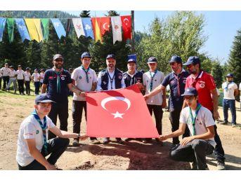 Uludağ'ın Eteklerine 12 Ay Gençlik Kampı İnşa Ediliyor