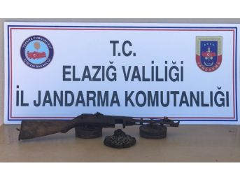 Elazığ'da Operasyon, Uyuşturucu Ve Makineli Tüfek Ele Geçirildi