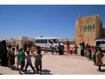 Elazığ'dan Gelen Yardımları Görünce Gözyaşlarına Hakim Olamadılar