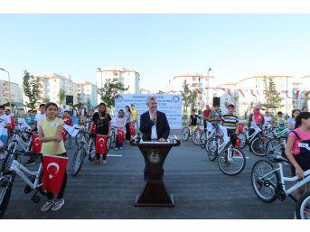 Şahinbey'de 144 Öğrenciye Daha Bisiklet Hediyesi