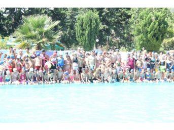 Samandağ Belediyesi Bin Çocuğa Yüzme Öğretti