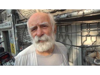 (özel) Felç Geçiren Oyuncu Ve Tiyatro Sanatçısı Hikmet Karagöz Taksim Meydanı'nda Görüntülendi