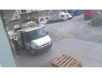 (özel) İstanbul'da Organize Hırsızlık Çetesi Çorap Fabrikasını Soydu