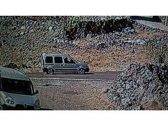 Dedektif Gibi İz Süren Jandarma Ekipleri Kurbanlıkları Çalan Hırsızları Yakaladı