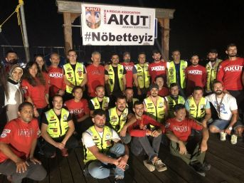Akut Ve Motosiklet Tutkunları, Marmara Depremi Şehitlerini Unutmadı