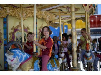Niğde Belediye Başkanı Özkan'dan Çocuklara Lunapark Sürprizi
