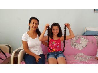 12 Yaşında Ki Azra, Kanser Hastaları İçin Saçını Kestirip Bağışladı