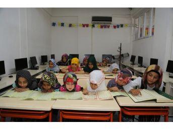Eyyübiye Belediyesi Kadın Destek Merkezlerine Yoğun İlgi