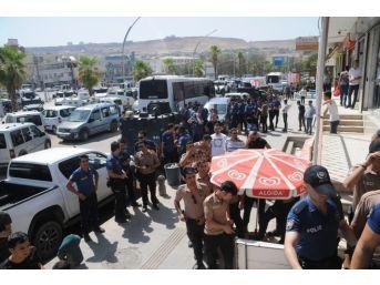 Dövizini Alan Polis Tl'ye Sahip Çıkmak İçin Sıraya Girdi