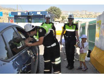 Şırnak'ta 'hatalı Sürücüye Kırmızı Düdük' Uygulaması Başlatıldı