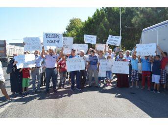 Halk Chp'li Belediyeye Yürüdü, Başkanı İstifaya Çağırdı