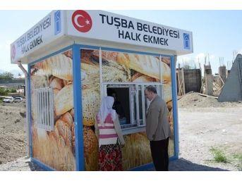 Tuşba Belediyesi'nden 'dolara İnat Halka Ucuz Ekmek'