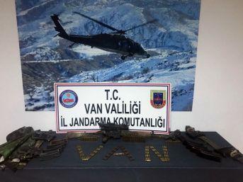 Van'da Biri Sağ 2 Terörist Ele Geçirildi