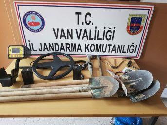 Van'da Kaçak Kazı Operasyonu: 6 Gözaltı