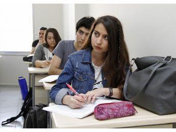 Aziz Nesin Bilgi Ve Eğitim Merkezi'ne Rekor Başvuru