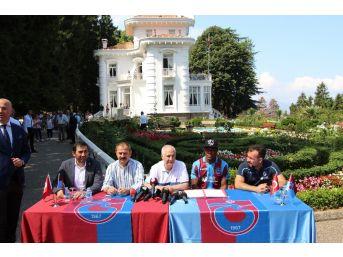 Trabzonspor'un Yeni Transferi Nwekaeme Sözleşmeye İmza Attı