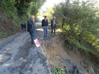 Alaplı Bölücek Köyünde yol çöktü