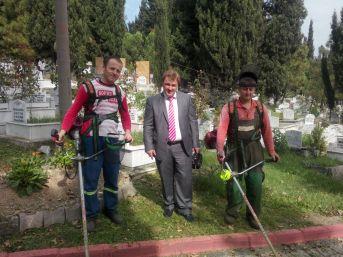 Ereğli mezarlıklarında mevlid proğramı