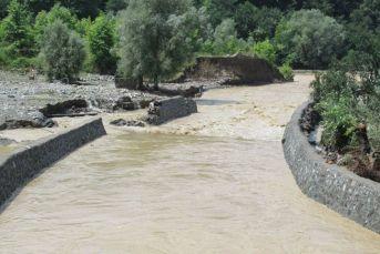 Alaplı Mollabey Köyünde sel  çok büyük zarar verdi