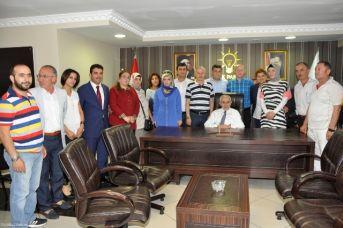 Ekrem Erdem, ak Parti ilçe başkanlığını ziyaret etti